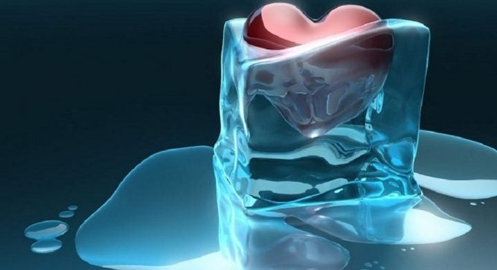 simpatia com gelo para separar casal