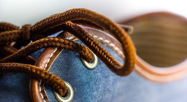 Simpatia para descobrir segredos sapato virado
