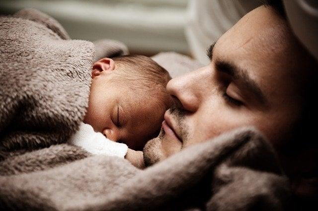 simpatia para acabar com a colica de recem nascido