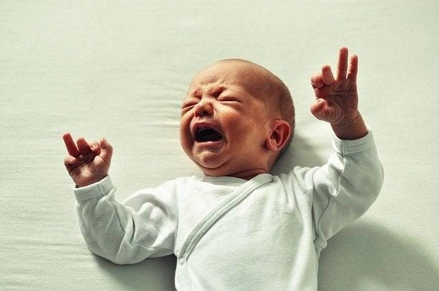 simpatia para colica de bebe