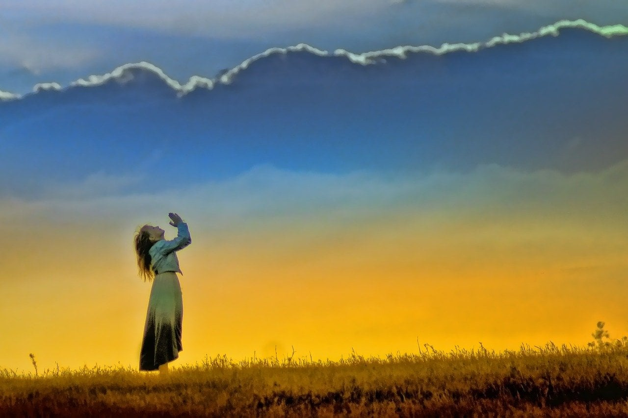 Oração para ele me procurar desesperado