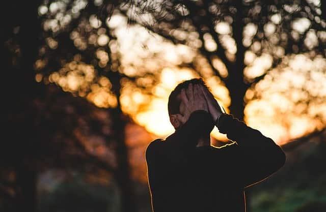 Oração para ele chorar por mim e não querer outra