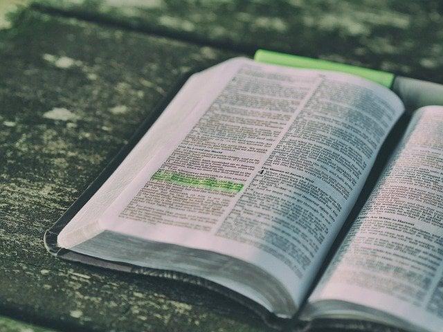 Oração armadura de Deus para proteção contra energias negativas